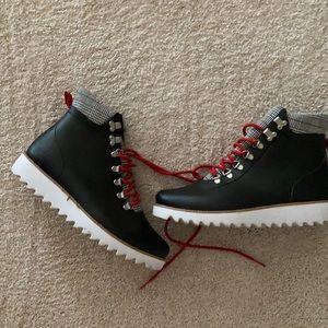 Bernardo Rain boots